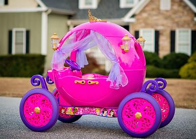 Disney-Princess-Carriage-Daily-Mom-Ultimate-Christmas-Guide-2016_6.jpg