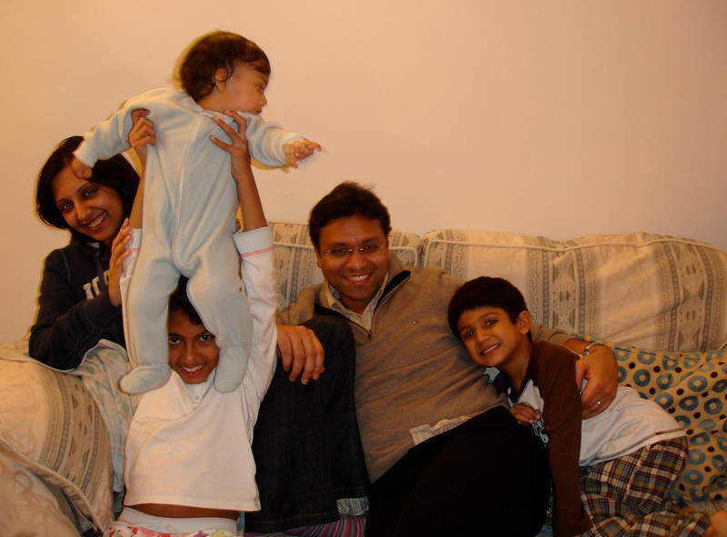 swati and kids in London 2008 124.jpg