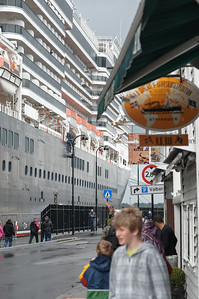 Juni 2012: Kreuzfahrtschiffe in Stavanger
