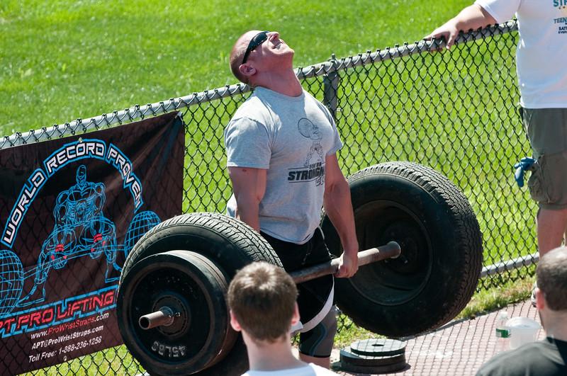 Strongman2009_Competition_DSC1256-1.jpg