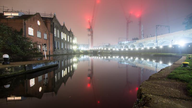 Foggy night on the #RegentsCanal in #Camden