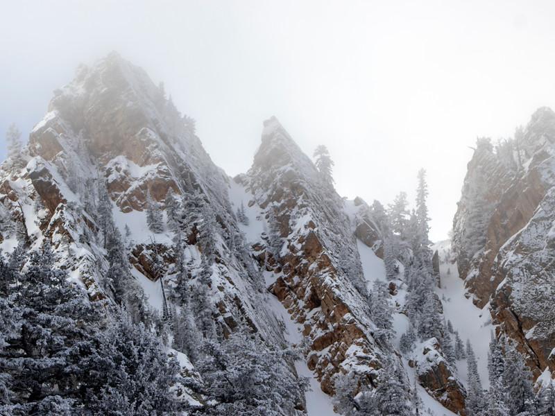 Hobbs chute ridge peaks.jpg