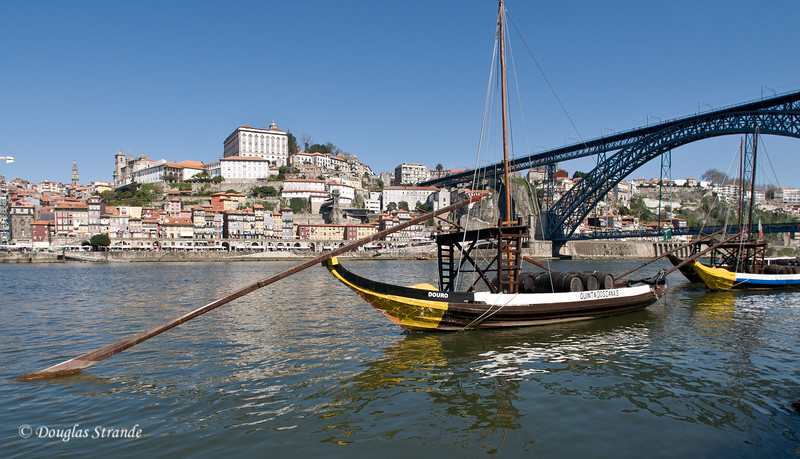 Sat 3/19 in Gaia: Boats on the Douro River and the city of Porto across the river