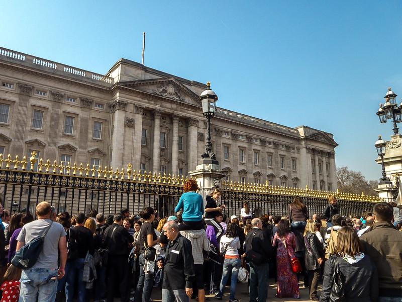 2 - Bickingham Palace with people watching.jpg