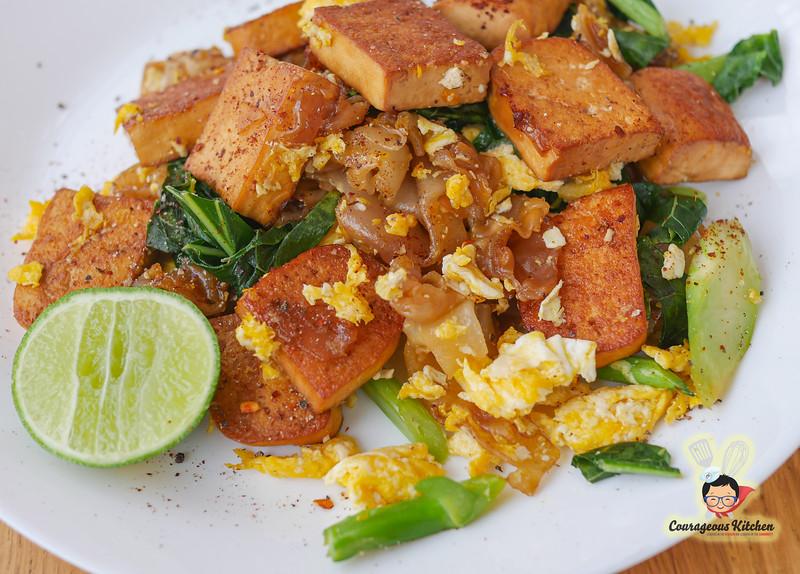 tofu pad see ew vegetarian bangkok-1.jpg