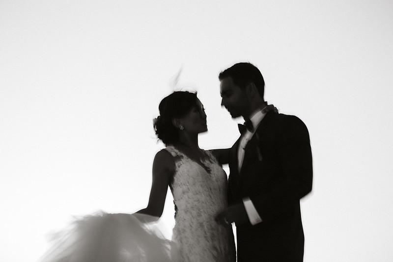 Tu-Nguyen-Destination-Wedding-Photographer-Santorini-Rocabella-Hotel-Euna-Ehsan-697.jpg