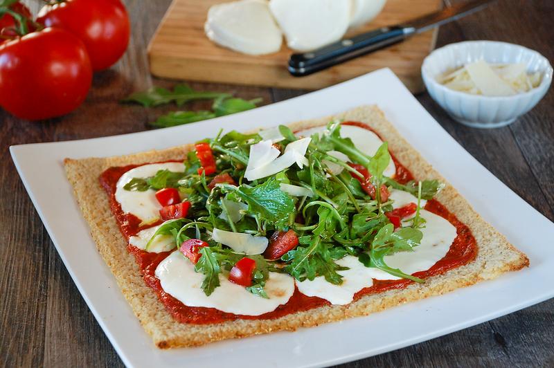 caprese-pizza-1.png