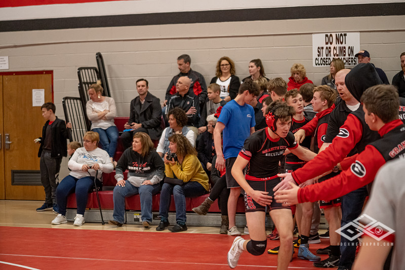 Wrestling at Granite City-09198.jpg