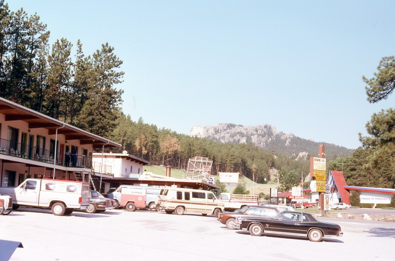 1985-07-06 Rushmore View Motel Keystone 486.jpg