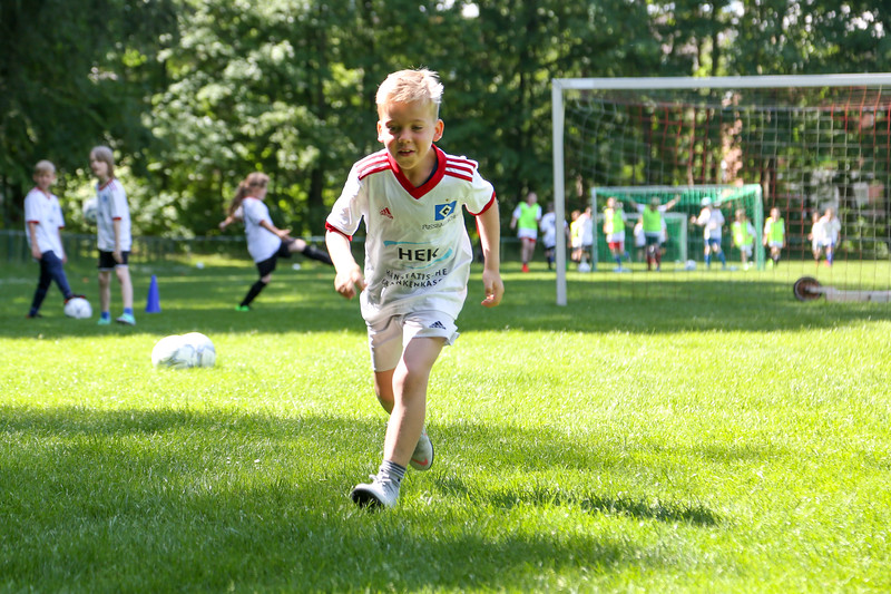 hsv_fussballschule-407_48047996893_o.jpg
