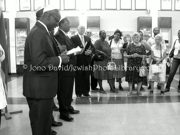 JAMAICA, Kingston. Shaare Shalom Synagogue. Mayor Desmond McKenzie presents Keys to City. (Friday, 5 September 2008)