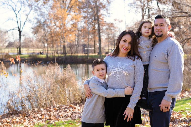 Brenda-Family-Christmas (36 of 46).jpg