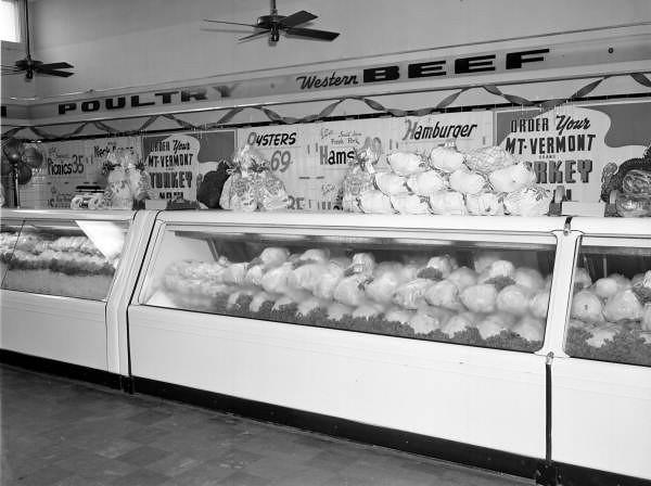 Main-15th-Lovetts-1949.jpg