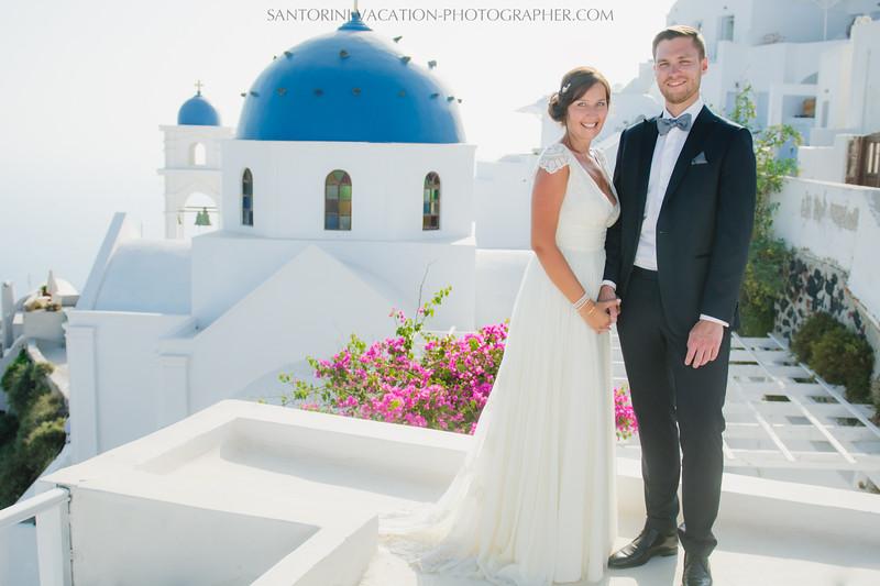 photo-shoot-santorini-blue-domes-post-wedding-destination.jpg