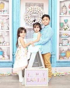 Sara, Eliza, Ismael Easter 2021