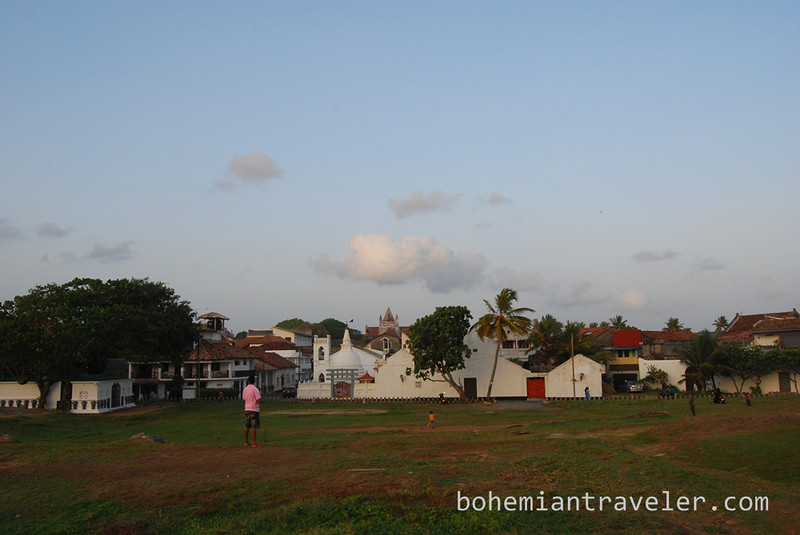 plaing cricket in Galle.jpg