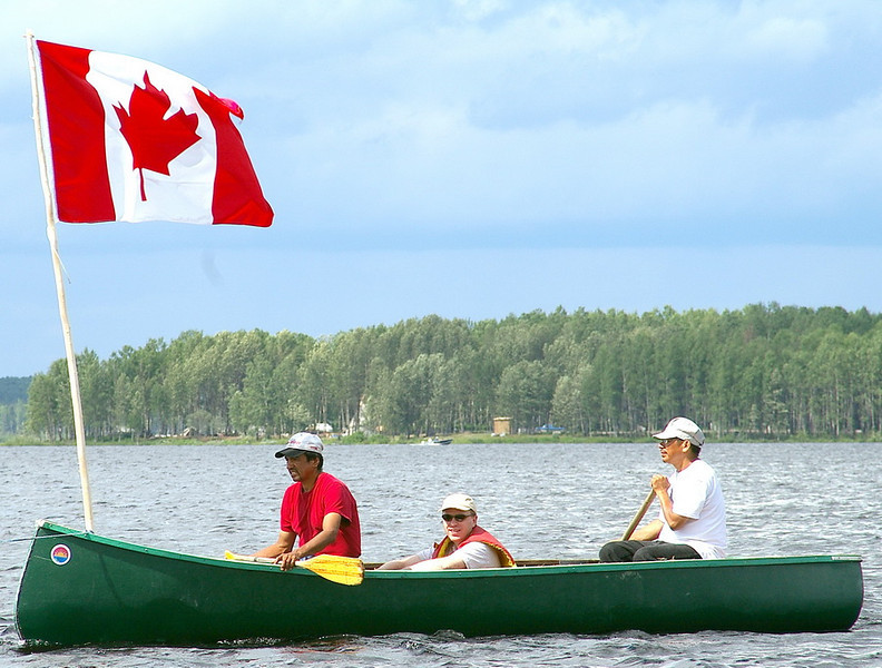 IMGP2990_canoes_flags_resize.jpg