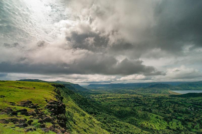 Kaas-plateau-Satara.jpg