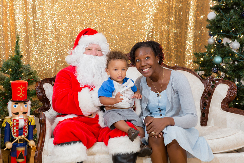 FADS Picture with Santa-260.jpg