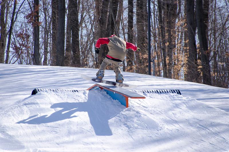 Snow-Trails-Rail-Jam-8104.jpg