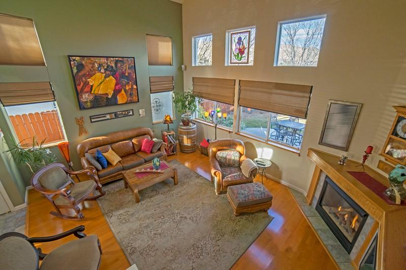 livingroom b-1.jpg