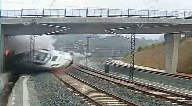 . A grab from a security video camera shows an Alvia model train derailing four kilometres from Santiago de Compostela on July 24, 2013. A train hurtled off the tracks on July 24, 2013 in northwest Spain killing at least 78 passengers and injuring more than 140, an official said today, the country\'s deadliest rail disaster in more than 40 years.     AFP PHOTO/ HO AFP/Getty Images