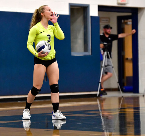 10/2/2019 Mike Orazzi | Staff Bristol Eastern's Rebecca Bender (3) during a win over Maloney on Wednesday.
