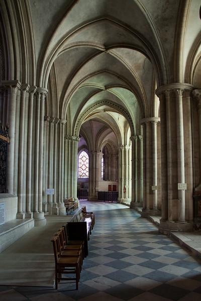 Caen Abbaye-aux-Hommes - Ambulatory Aisle