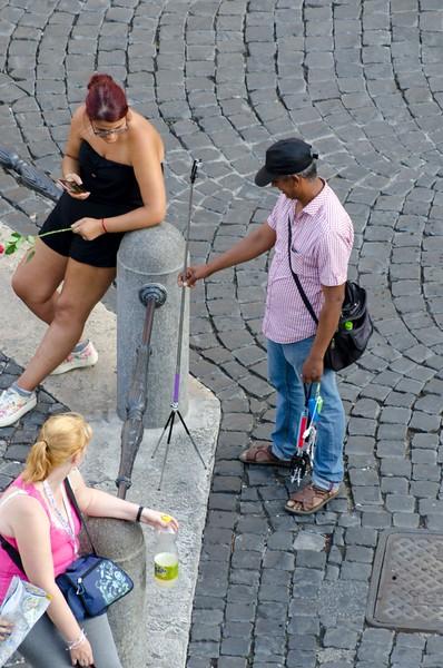 Selfie stick seller