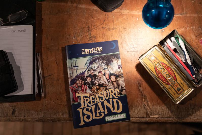 007 Tresure Island Princess Pavillions Miracle Theatre.jpg