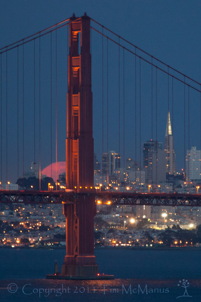 Full Moon over San Francisco / Golden Gate Bridge