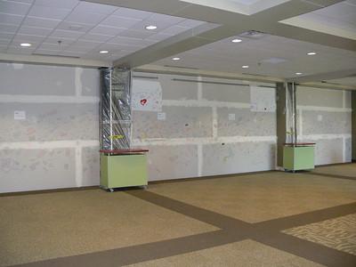 2007 - Wall Signing at Lobby