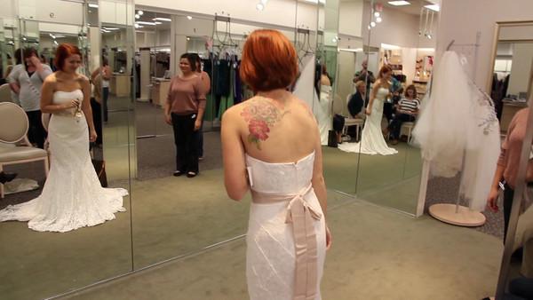 """Sara Picking """"THE"""" Dress Video"""