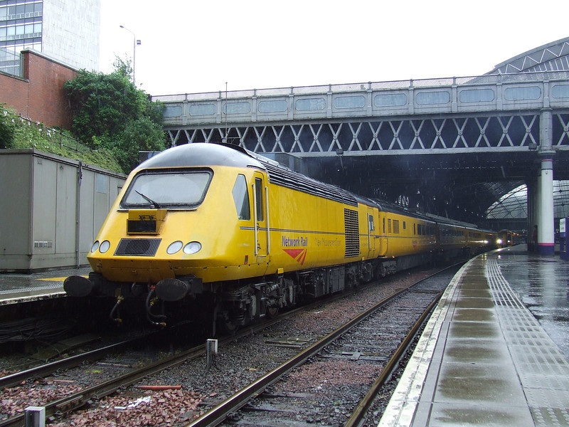 43014 at Glasgow Queen Street with the New Measurement Train