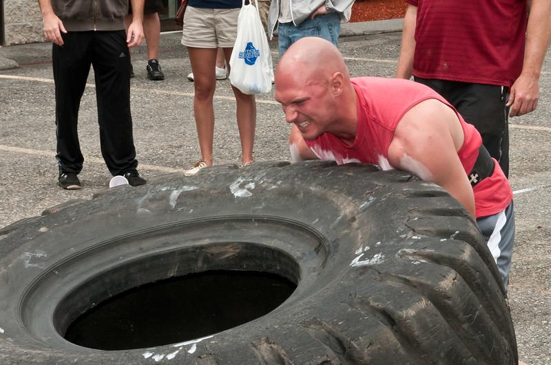 Fitness Revolution Strongman Challenge 2011_ERF4207.jpg