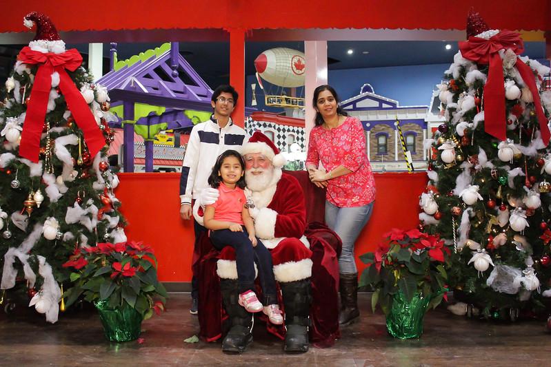 Santabooth-50.jpg