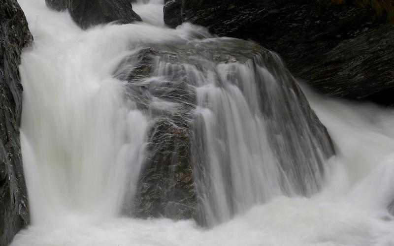 Wasser am Haast Pass