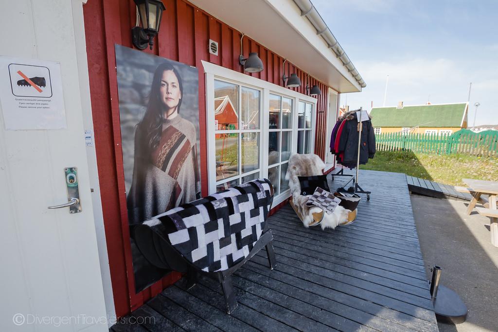 Sisimiut Greenland - Qiviut - Lina Stock