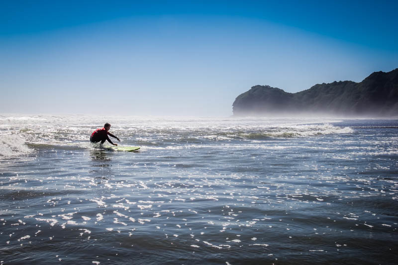 Piha Beach New Zealand - Surfing