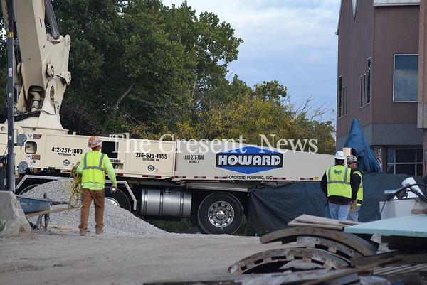 10-04-19 NEWS Clinton Bridge pour