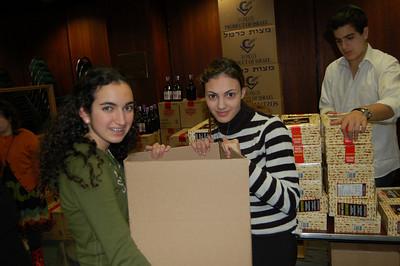 High Schoolers Distribute Food