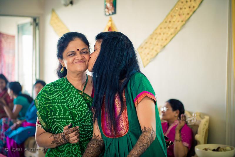 Jay Pooja Mehandi-136.jpg