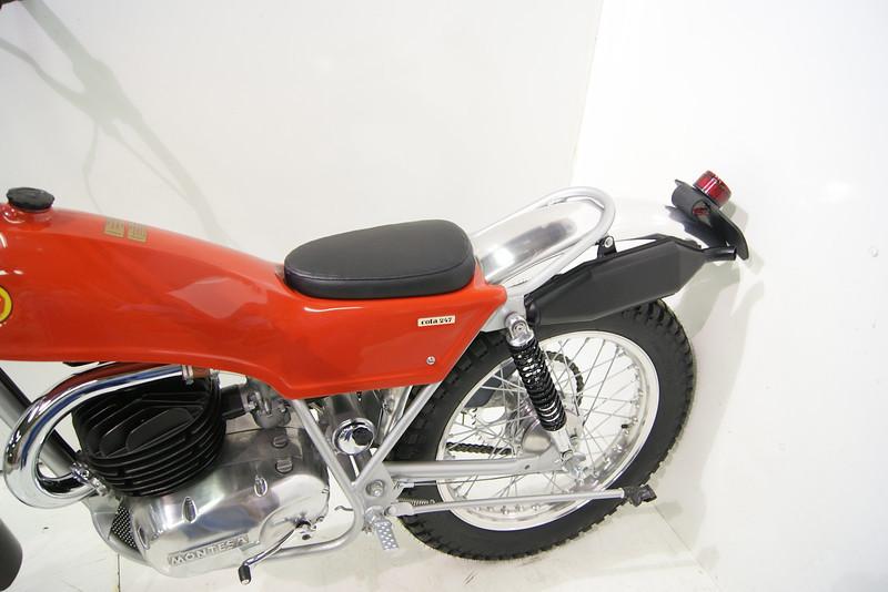 1971Montesa 7-11 015.JPG