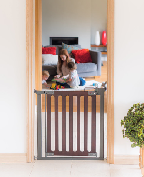 Fred_Stairgates_Pressure_Wooden_Gate_Lifestyle_family_behind.jpg