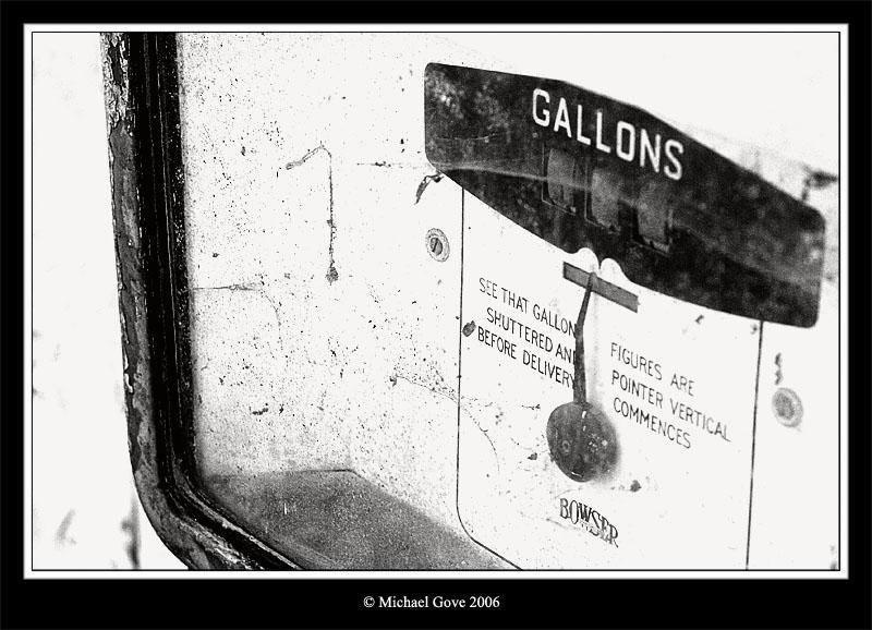 No more fuel Aust Village Bristol (60980106).jpg