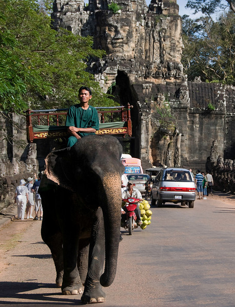 Traffic near gate to Angkor Thom