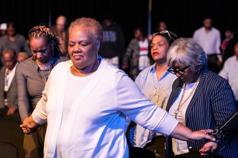 Sunday Praise and Worship - 039.jpg