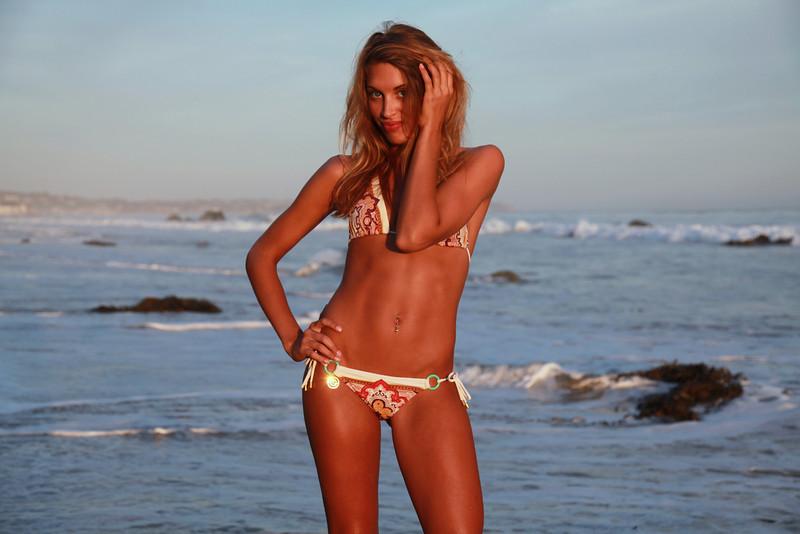 bikini 45surf bikini swimsuit model hot pretty beach surf socal 880,.,..jpg