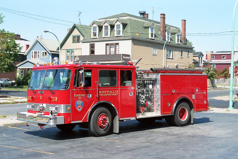 BUFFALO FD  ENGINE 37  1987  PIERCE ARROW   1250-500.jpg