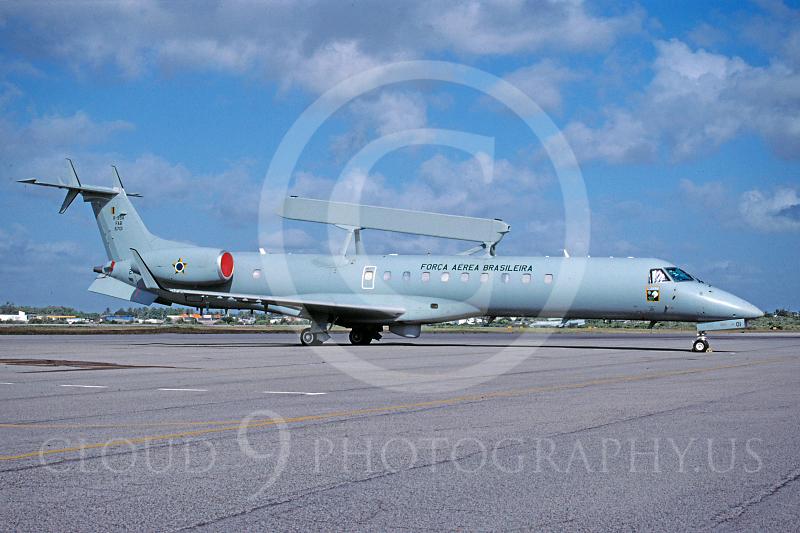 EMBRAER R-99 00001 EMBRAER R-99 Brazilian Air Force November 2004 via African Aviation Slide Service.JPG